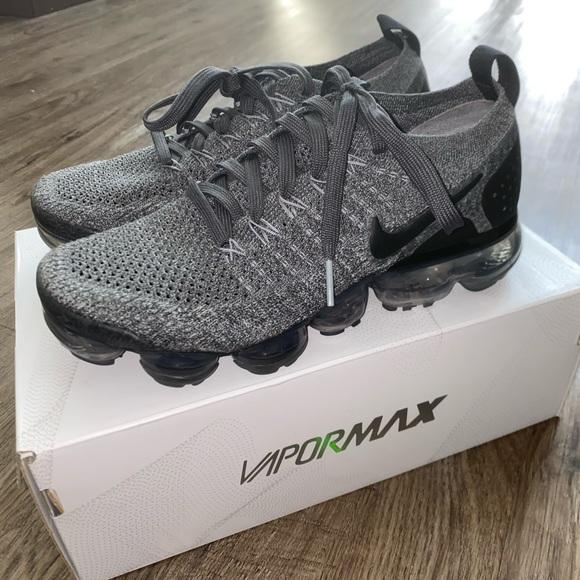 black vapor maxs